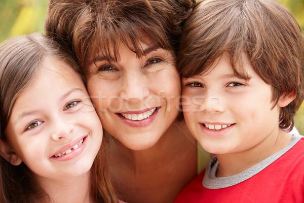 Hispanique grand-mère petits enfants fille enfants soleil Photo stock © monkey_business