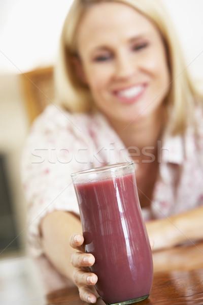 Сток-фото: взрослый · женщину · свежие · ягодные · льстец