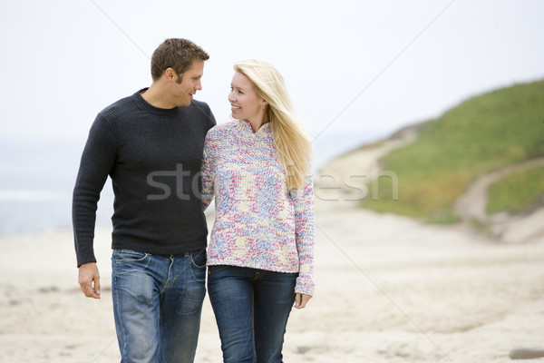 Stockfoto: Paar · lopen · strand · glimlachend · man · zee