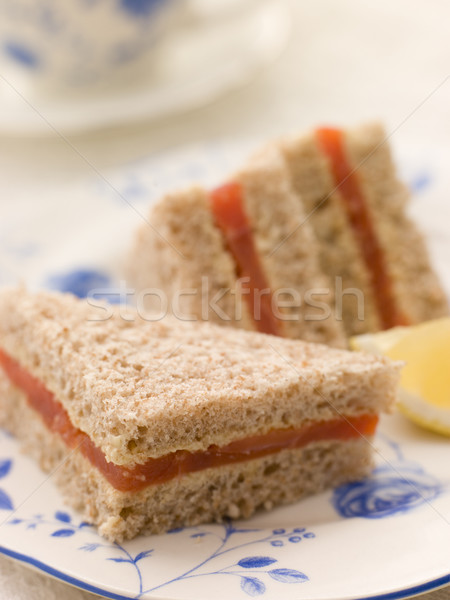 Gerookte zalm sandwich bruin brood afternoon tea voedsel Stockfoto © monkey_business