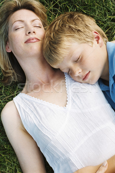 Madre hijo aire libre dormir familia ninos Foto stock © monkey_business
