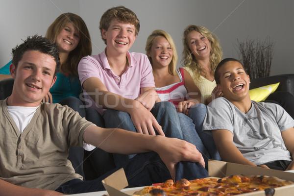 Adolescentes alimentação pizza casa amigos Foto stock © monkey_business
