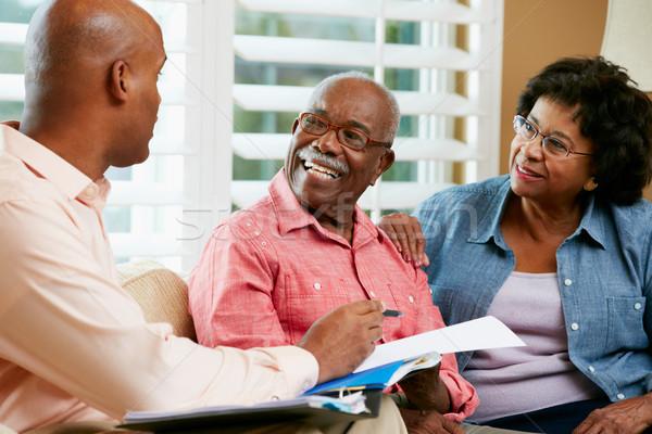 Doradca finansowy mówić starszy para domu szczęśliwy bezpieczeństwa Zdjęcia stock © monkey_business
