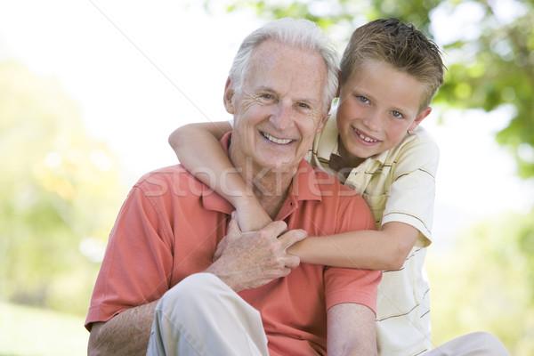 Zdjęcia stock: Dziadek · wnuk · odkryty · uśmiechnięty · dziecko · portret