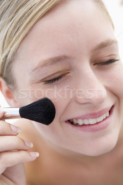 Nő sminkecset mosolygó nő mosolyog tini női Stock fotó © monkey_business
