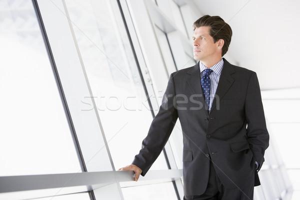 Stok fotoğraf: Işadamı · ayakta · koridor · iş · adam · erkek