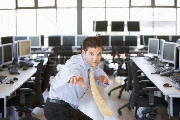ビジネスマン 立って 空手 スタンス コンピューター室 男 ストックフォト © monkey_business