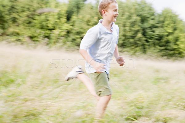 Foto stock: Corrida · campo · sorridente · crianças · grama
