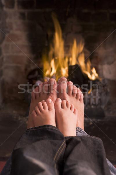 Stok fotoğraf: Baba · ayaklar · şömine · çocuklar · yangın · sevmek