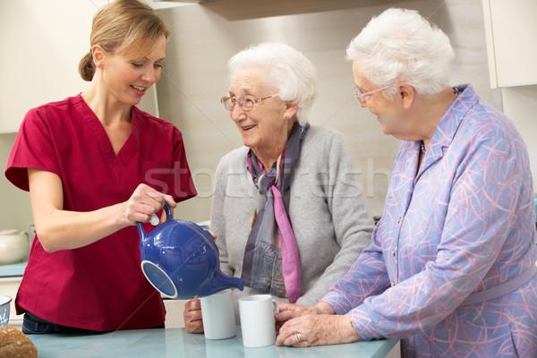Idős nők otthon gondozó segítség női Stock fotó © monkey_business