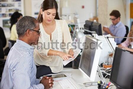 Estudiar ordenador nina escuela Foto stock © monkey_business