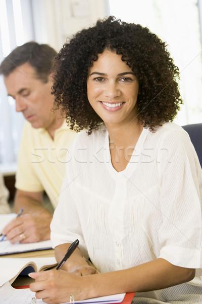 взрослый женщину изучения другой взрослых студентов счастливым Сток-фото © monkey_business