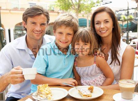 Familie lunch samen mall vrouw man Stockfoto © monkey_business