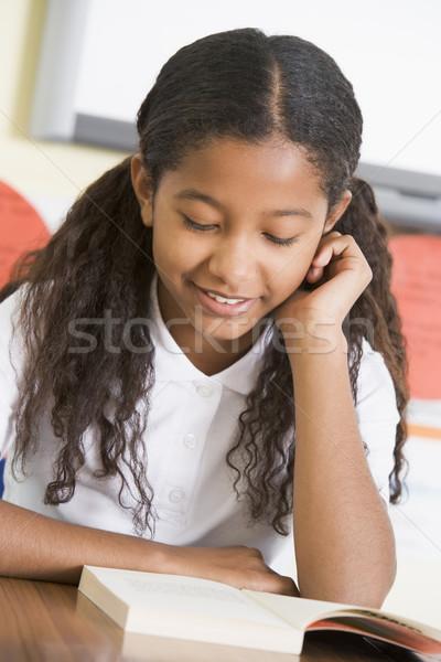 Stockfoto: Schoolmeisje · lezing · boek · klasse · school · onderwijs