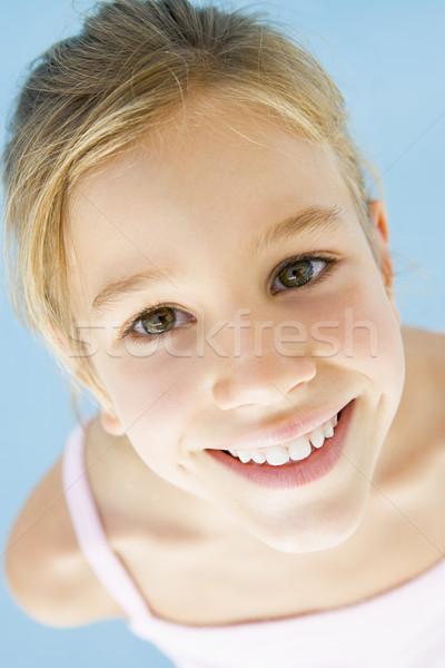 ストックフォト: 若い女の子 · 笑みを浮かべて · 少女 · 子供 · 肖像 · 女性