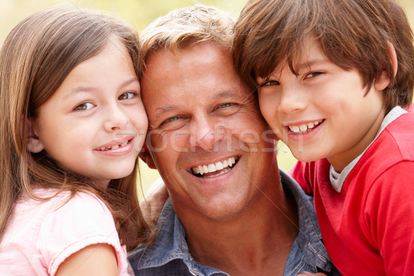 портрет отец детей улице счастливым солнце Сток-фото © monkey_business