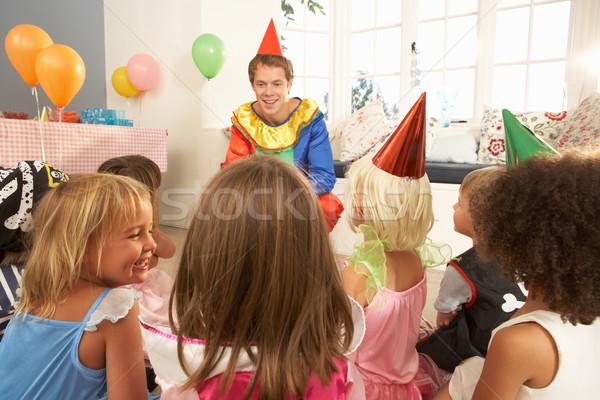 Jovem crianças alimentação congestionamento festa de aniversário festa Foto stock © monkey_business