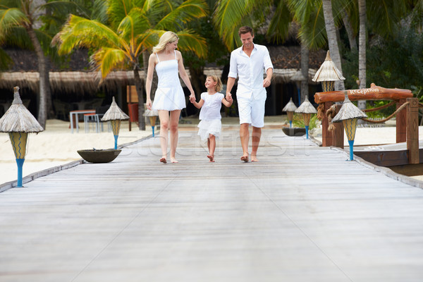 Foto stock: Familia · caminando · playa · feliz · mar