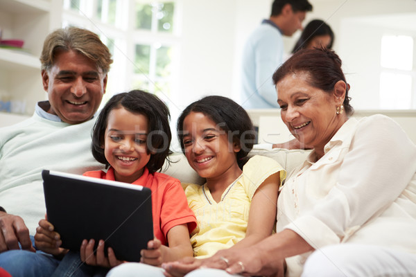 Indian Familie digitalen Tablet Frauen glücklich Stock foto © monkey_business