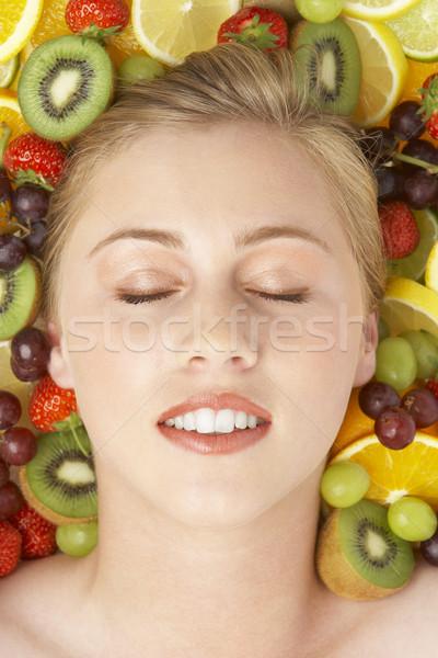 Stok fotoğraf: Portre · genç · kadın · meyve · kadın · kız · gözler