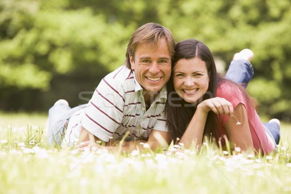Stockfoto: Paar · buitenshuis · bloem · glimlachend · man · veld