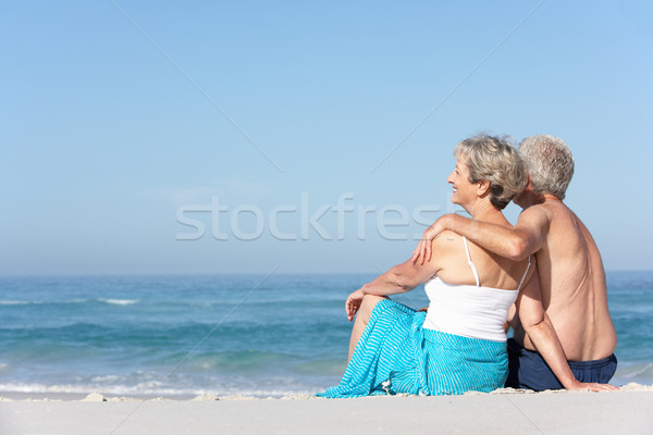 Vakantie vergadering zandstrand vrouw man Stockfoto © monkey_business