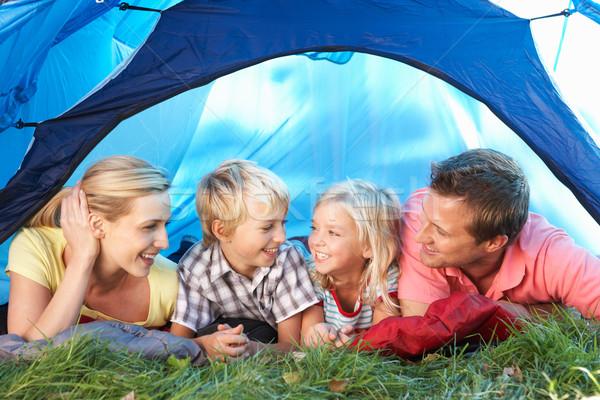 Jonge familie tent kinderen man moeder Stockfoto © monkey_business