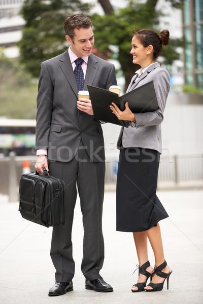 Сток-фото: бизнесмен · деловая · женщина · документа · улице