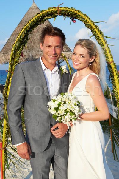 Stockfoto: Bruid · bruidegom · getrouwd · strand · ceremonie · bruiloft