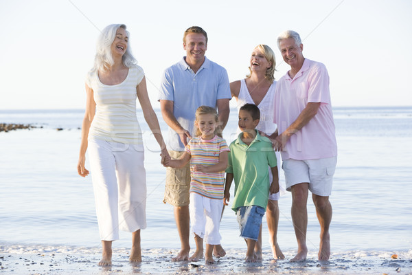 Famille élargie plage souriant fille homme couple Photo stock © monkey_business