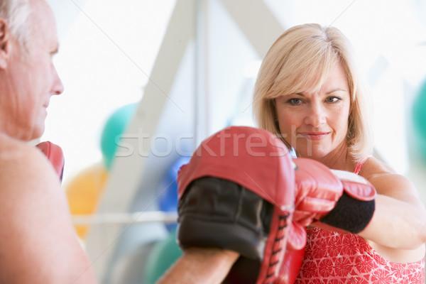 Foto stock: Mujer · boxeo · entrenador · personal · gimnasio · hombre · salud