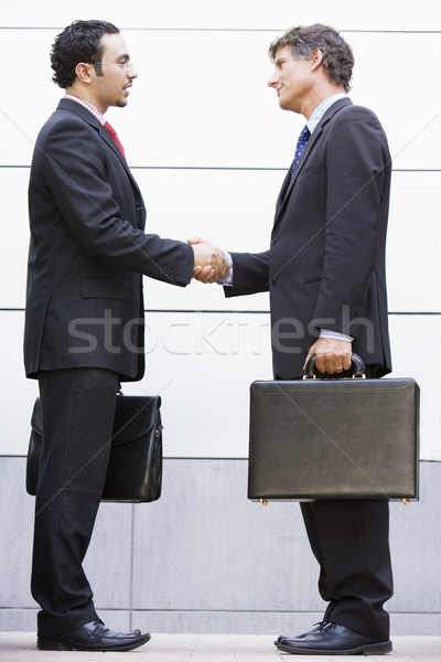 Foto stock: Empresários · reunião · fora · escritório · moderno · mulher
