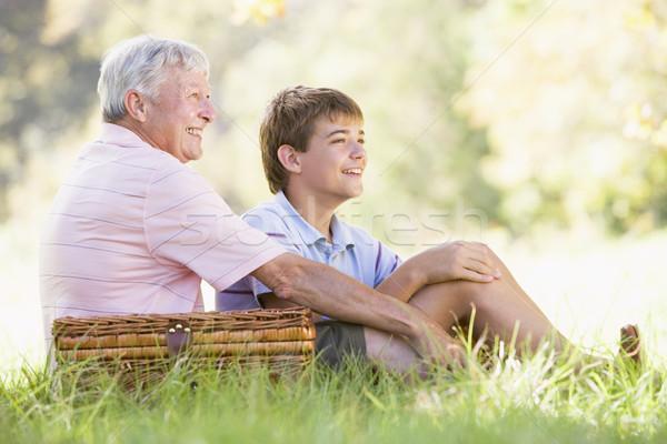 Сток-фото: деда · внук · пикника · улыбаясь · ребенка · мужчины