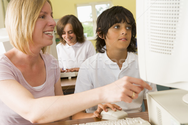 教師 男子生徒 勉強 学校 コンピュータ 女性 ストックフォト © monkey_business