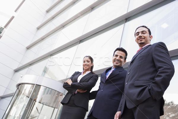 Сток-фото: группа · деловые · люди · за · пределами · офисное · здание · современных · бизнеса