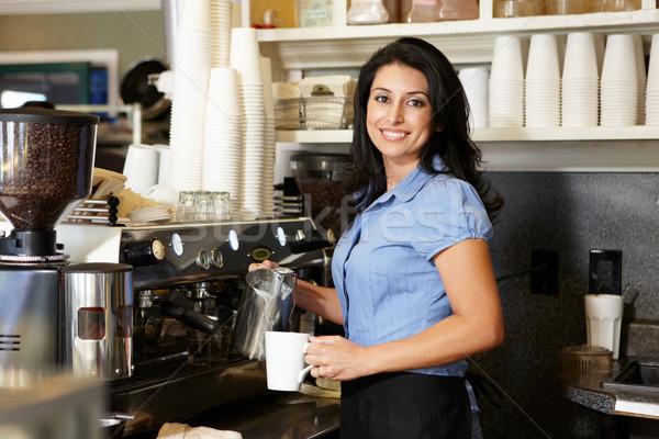 Kobieta pracy kawiarnia działalności pracy mleka Zdjęcia stock © monkey_business