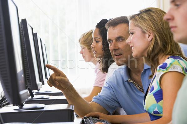 Leraar computerlokaal computer student onderwijs Stockfoto © monkey_business