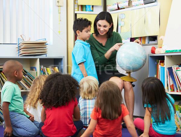 Elemental geografía clase maestro escuela Foto stock © monkey_business