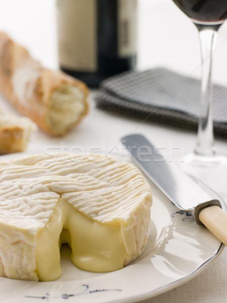 Foto d'archivio: Camembert · formaggio · francese · stick · vino · rosso · pane