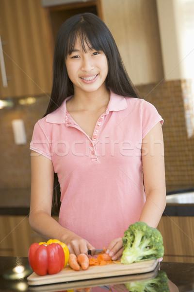 Nő tapsolás zöldségek boldog konyha mosolyog Stock fotó © monkey_business