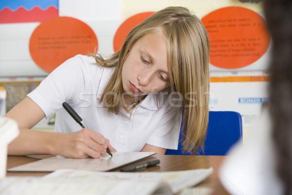 Foto d'archivio: Studentessa · studiare · classe · bambino · istruzione · iscritto