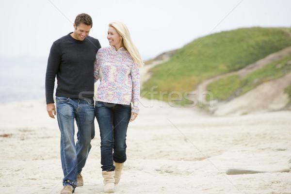 Stockfoto: Paar · lopen · strand · glimlachend · liefde · man