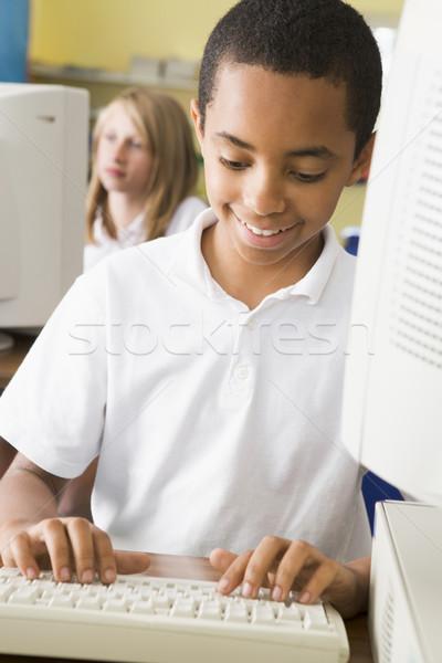 男子生徒 勉強 学校 コンピュータ キーボード 作業 ストックフォト © monkey_business