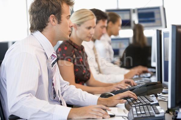 Czas pracy komputerów komputera kobiet biznesmen Zdjęcia stock © monkey_business
