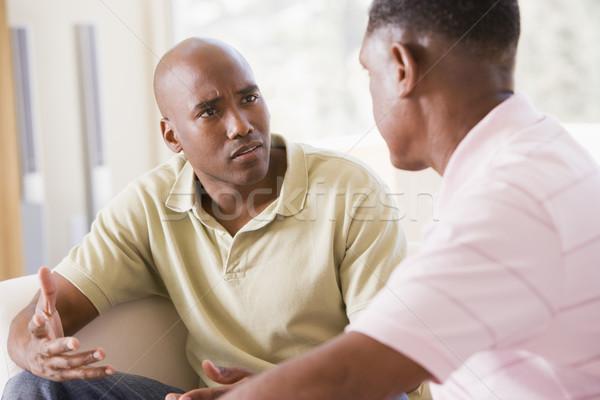 Stock foto: Zwei · Männer · Wohnzimmer · sprechen · Mann · männlich · zusammen