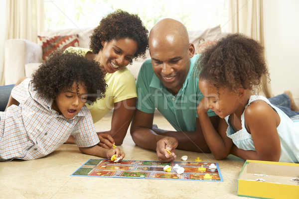Familie spielen Brettspiel home Kinder Mann Stock foto © monkey_business