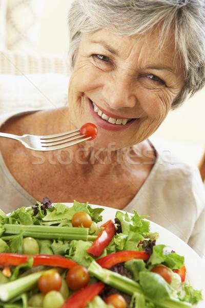 Foto stock: Altos · mujer · alimentación · saludable · ensalada · retrato · tenedor