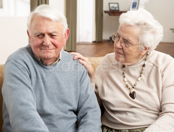 Сток-фото: старший · женщину · муж · домой · пару · помочь