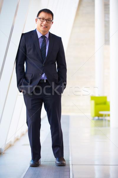 Portret biznesmen stałego nowoczesne biuro recepcji Zdjęcia stock © monkey_business