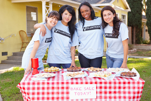 команда женщины работает благотворительность запекать продажи Сток-фото © monkey_business